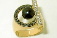 Perle noire et diamants