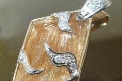 Pendentif quartz rutile et diamants