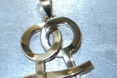 pendentif lesbien